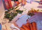 Čišćenje povrća za riblju čorbu